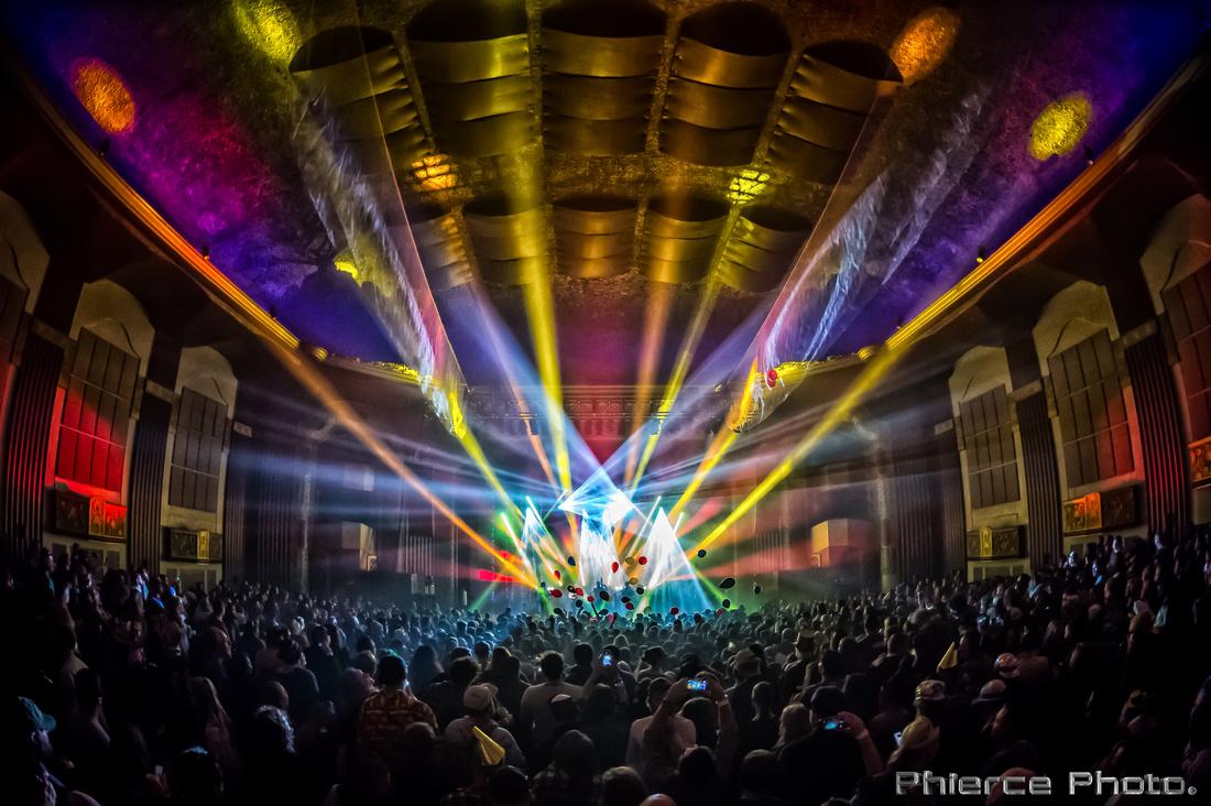 Royal Oak Theater, Dec 31, 2016_Phierce Photo-_PRC2845-Edit