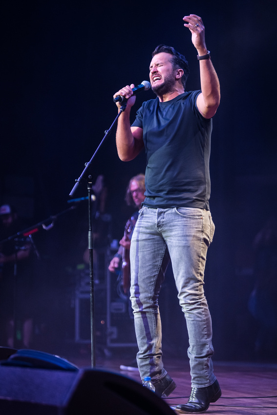 Luke Bryan_@Darius & Friends_photo by Keith Griner 0D5_5333